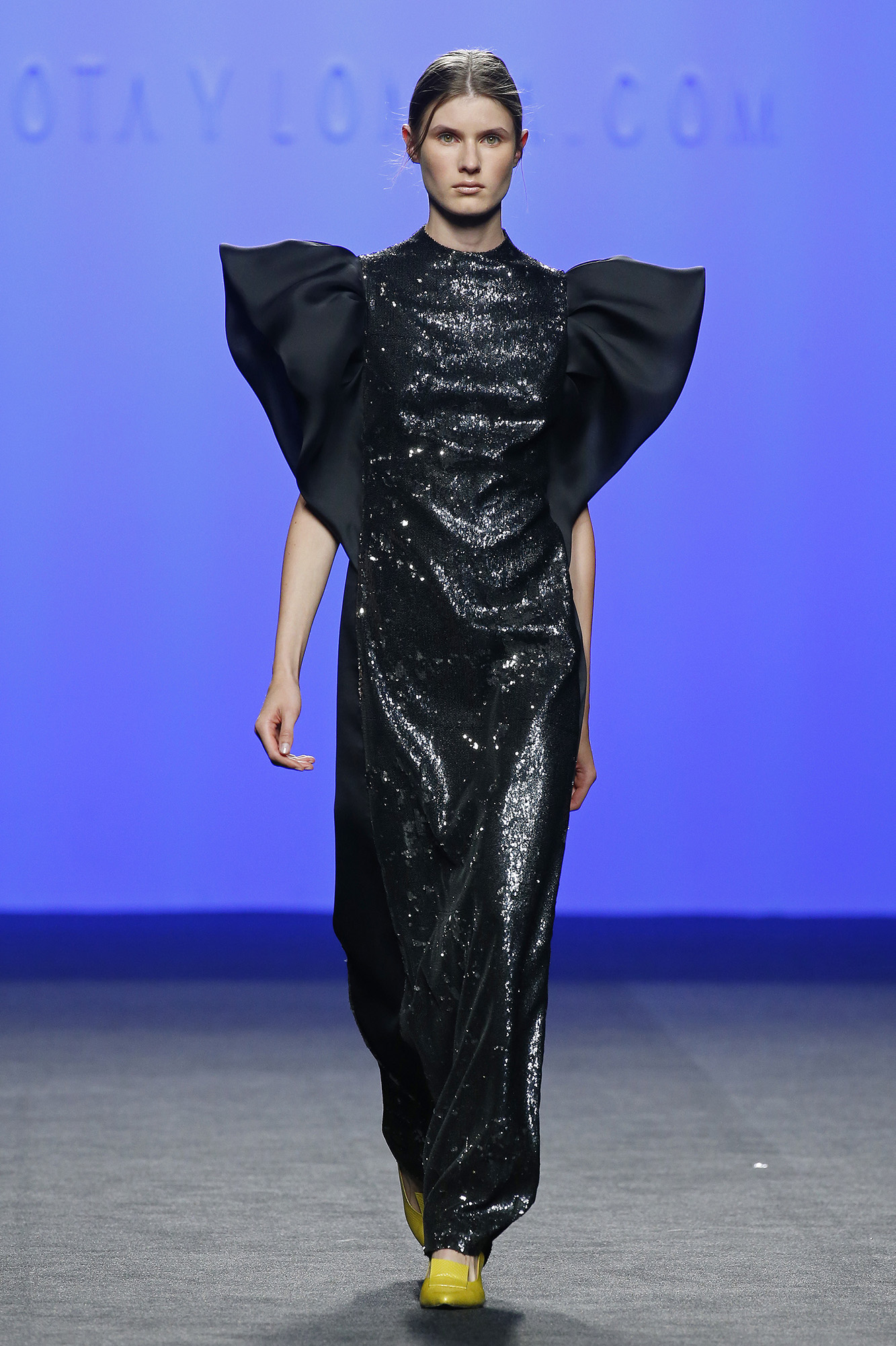 Vestido negro lentejuelas