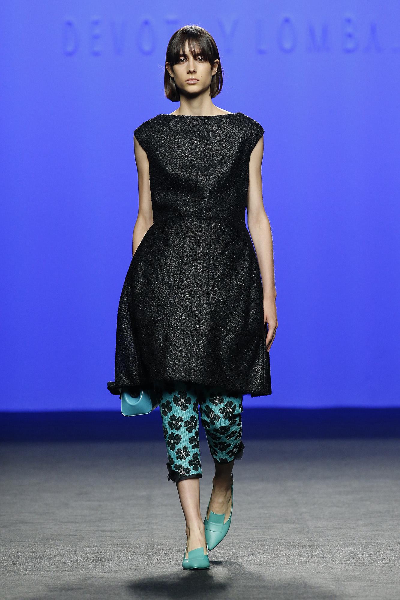 Vestido negro texturado