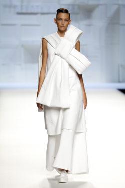 Vestido blanco blusón detalle lazo