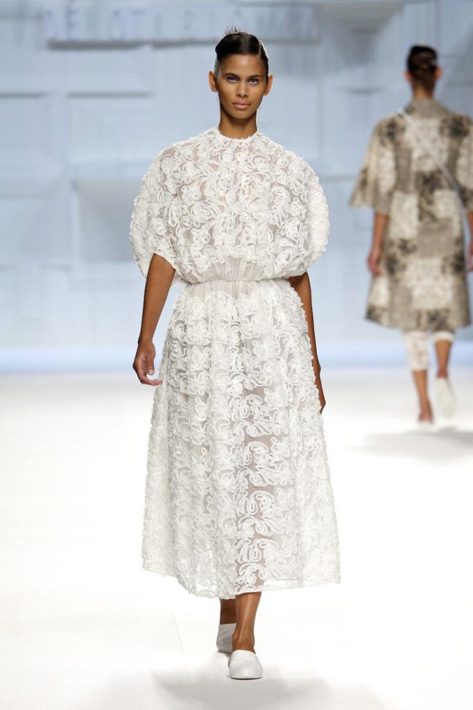 Vestido blanco fruncido